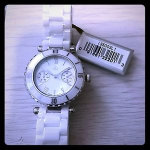 Guess Collection ceramic quartz swiss made watch N